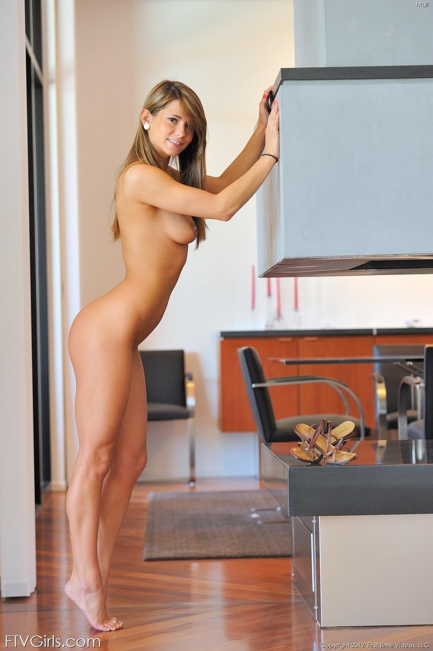 Adorable amateur honey Mali exposing her fantastic feet & holes on the floor