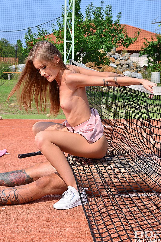 Sporty blonde Tiffany Tatum gets banged on the court by her tennis instructor
